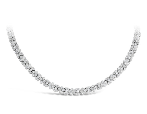 Collier en or blanc pavé de diamants de la London Collection