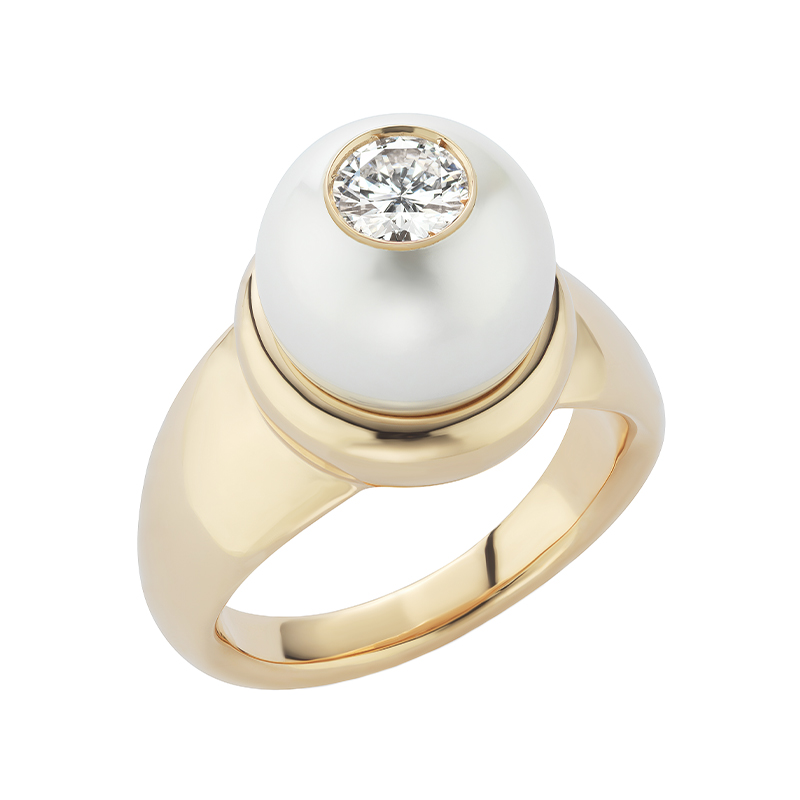 Pearl ID Ring with White Diamond Center
