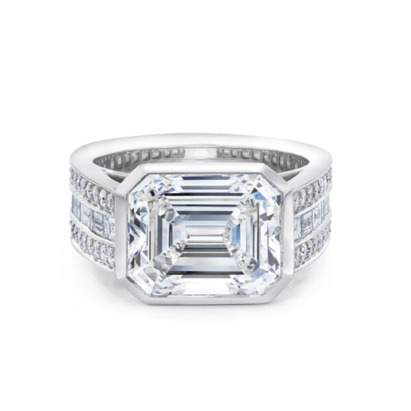 Emerald Cut Diamond Diamond Engagement Ring