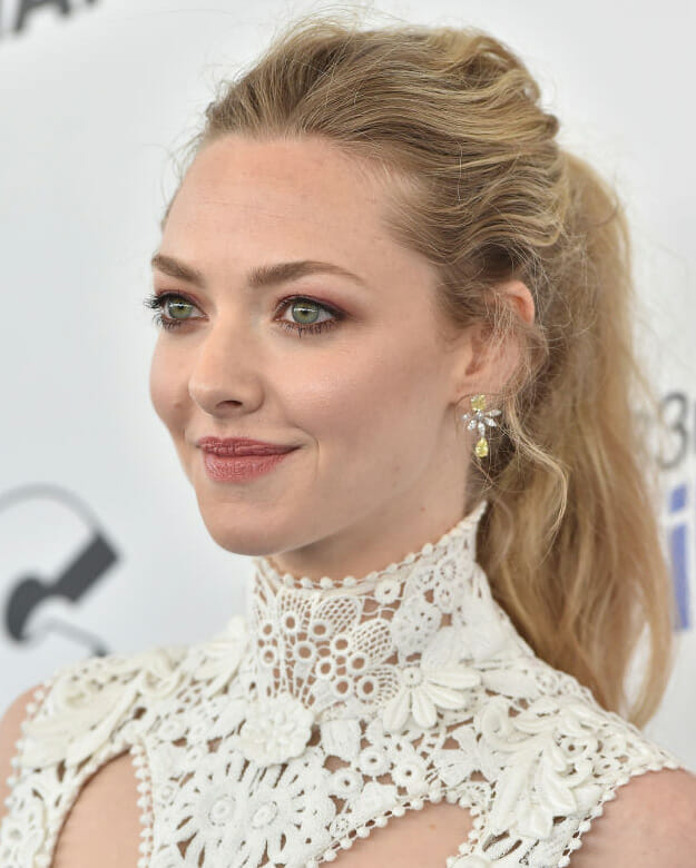 Actress Amanda Seyfried wearing diamonds at the 2018 Film Independent Spirit.