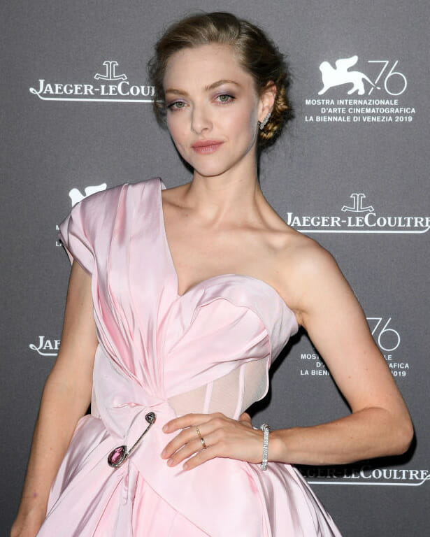 Actress Amanda Seyfired wearing diamonds at the  Jaeger-LeCoultre Gala Dinner.